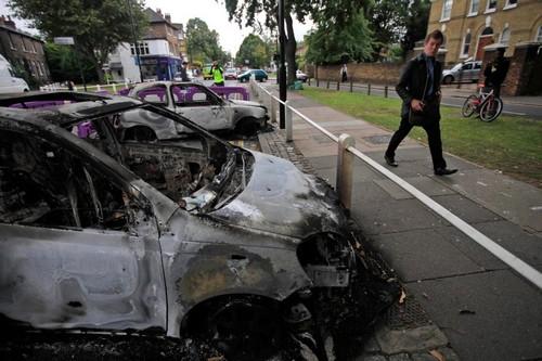 London riots 02